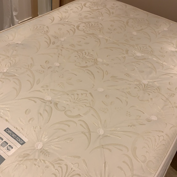 Double mattress with base