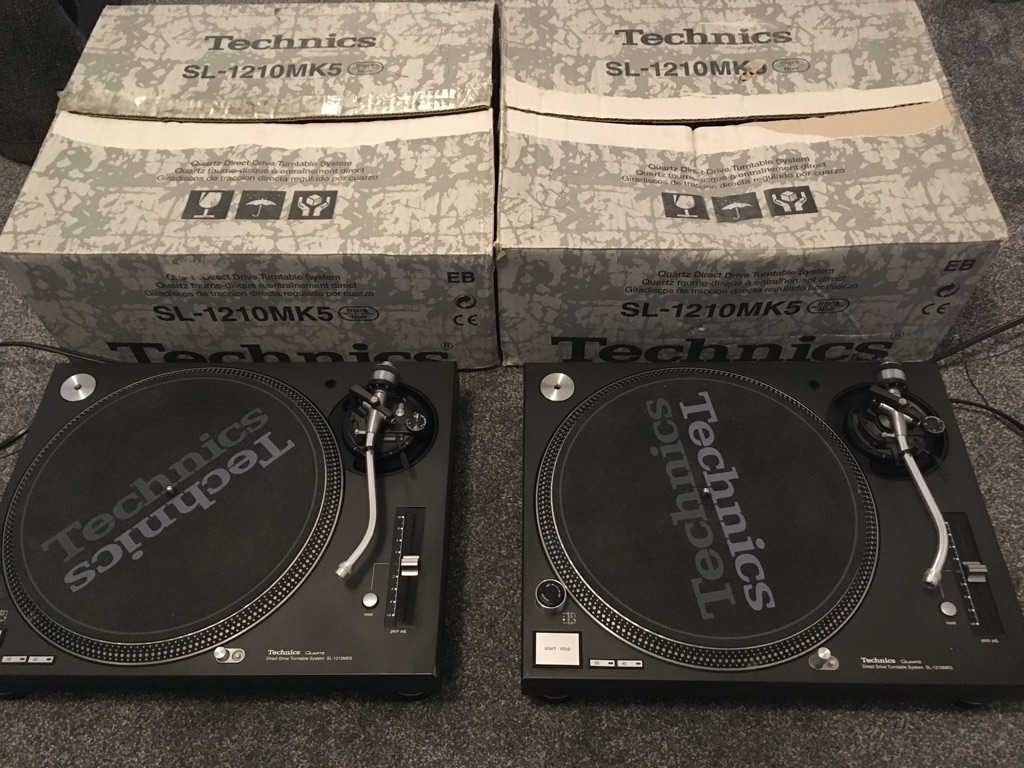 Pair of Technics 1210 MK5