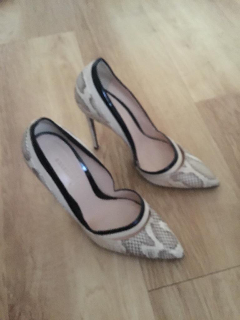 Sexy Python beige and black new Cristan London heels