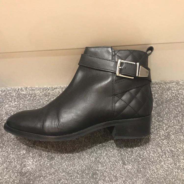 Asos black boots size UK5