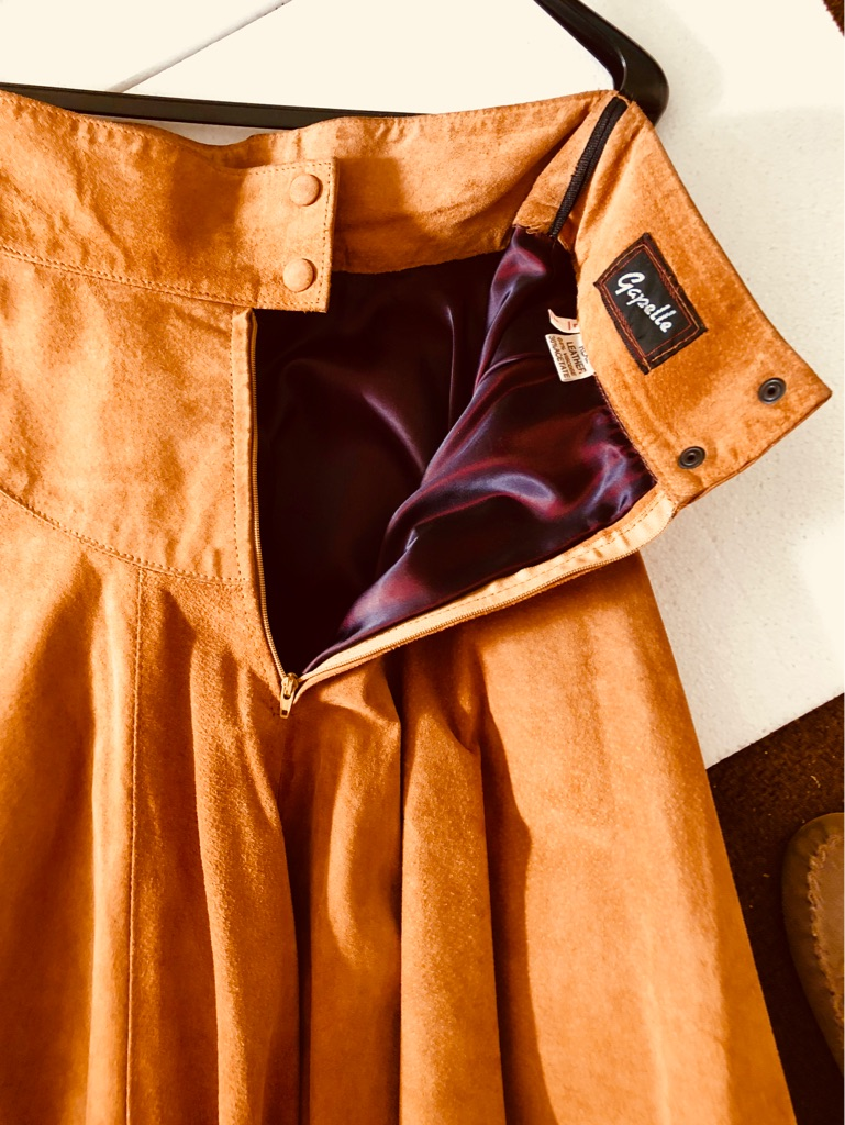 NEW REAL  SUEDE VINTAGE SKIRT
