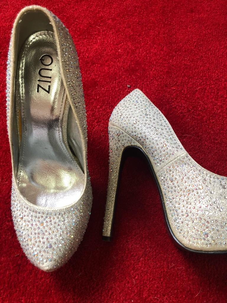 Quiz sparkly heels