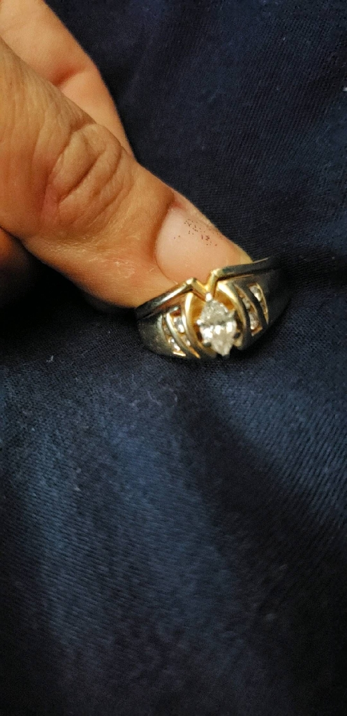 Italian gold diamond ring