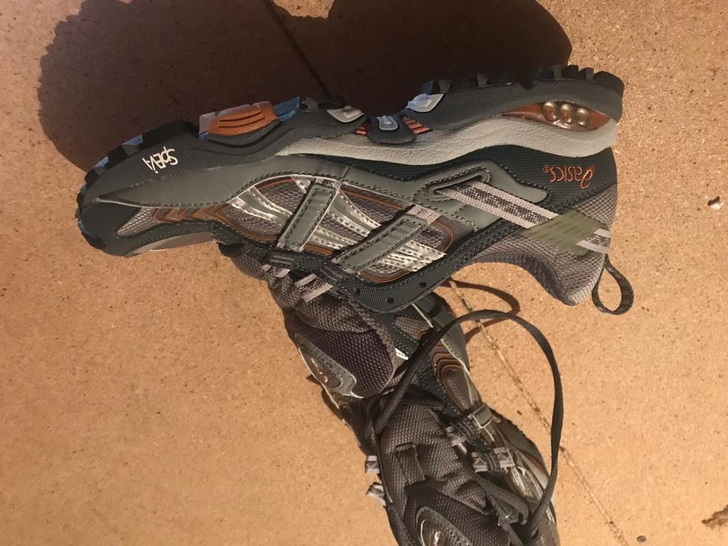 ASICS ladies trail shoes