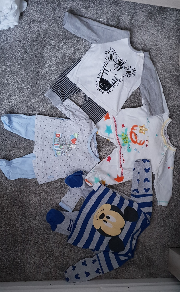 Baby boys Jarmies (0-3months)