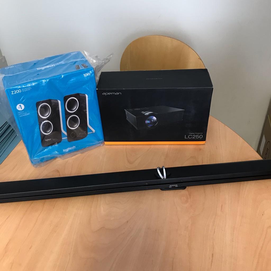 Projector L250 screen plus speakers