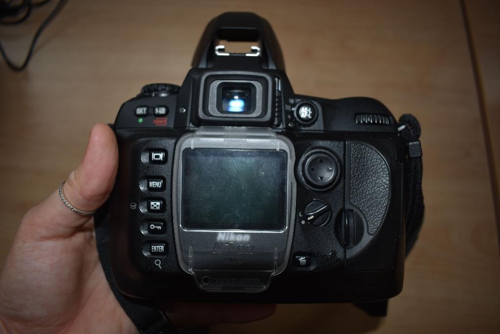 Nikon D100 & Nikon VR lens w/ many accessories