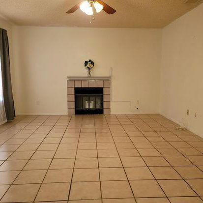 This little charmer located in Bakersfield close to shopping and schools