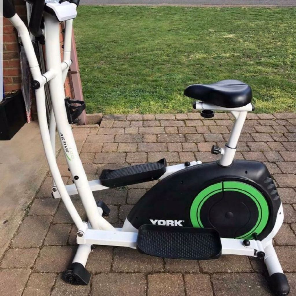 Cross cycle trainer