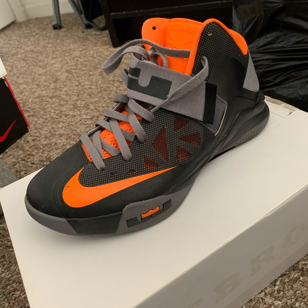 Nike LeBron zoom soldiers 6
