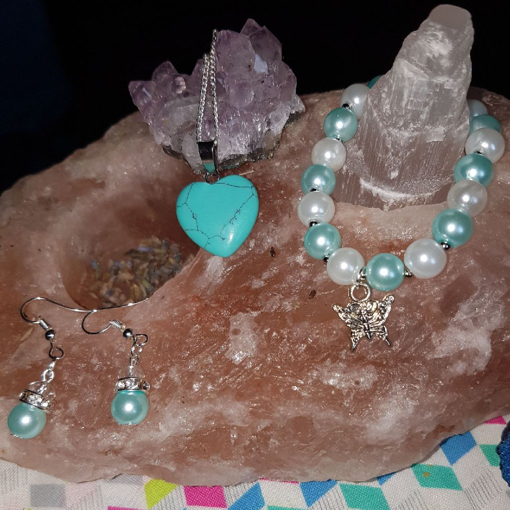 Blue howlite and braclet with earings set