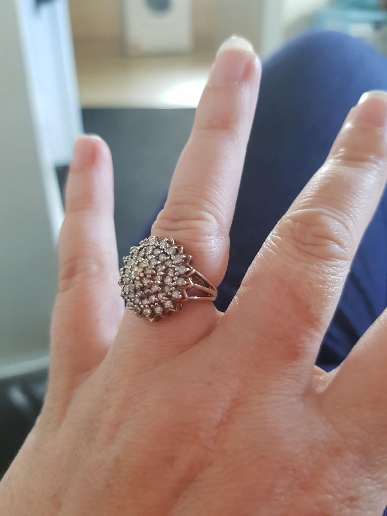 9ct gold 1ct diamond ring