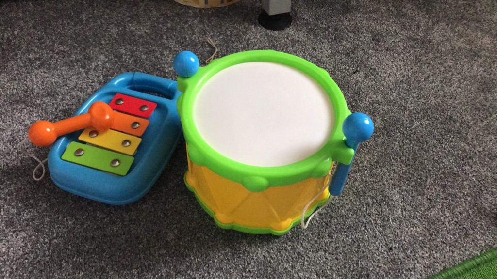 Xylophone and drum set