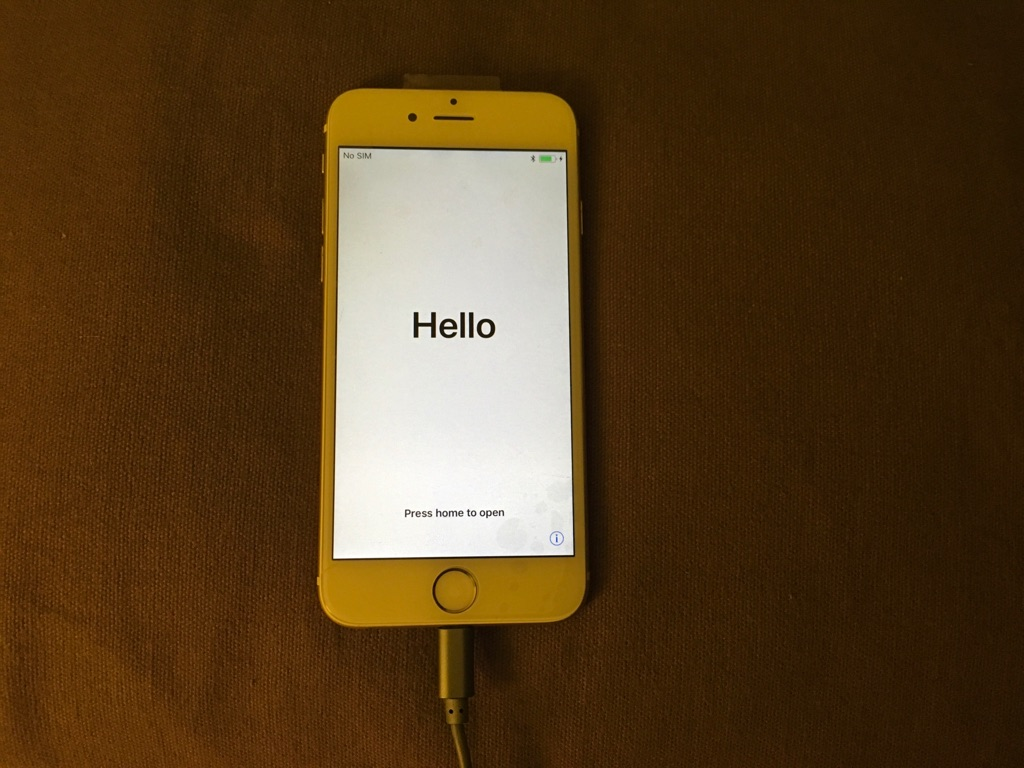 Excellent condition gold iPhone 6 16gb storage
