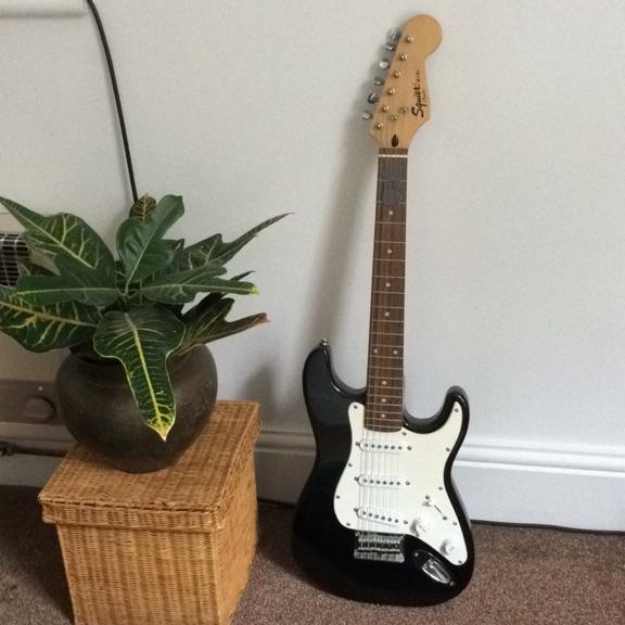 Squire Mini Fender