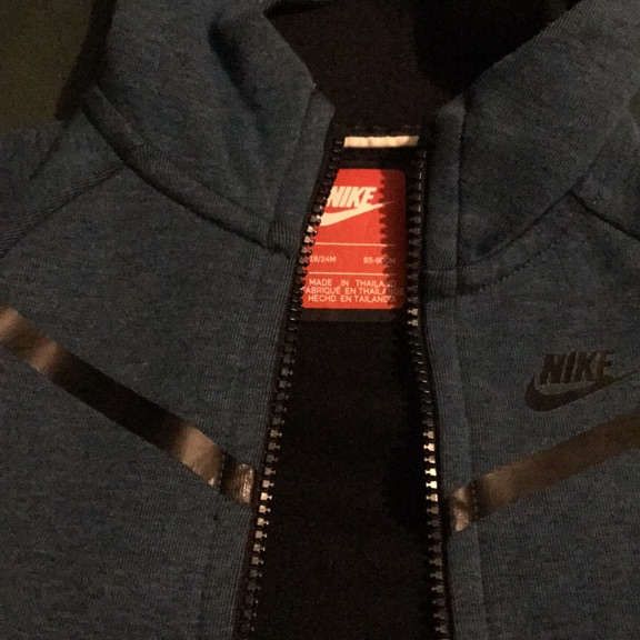 Brand new boy's Nike tech tracksuit 18-24 months