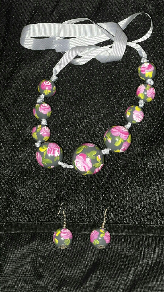 Set - earrings & necklace with beads