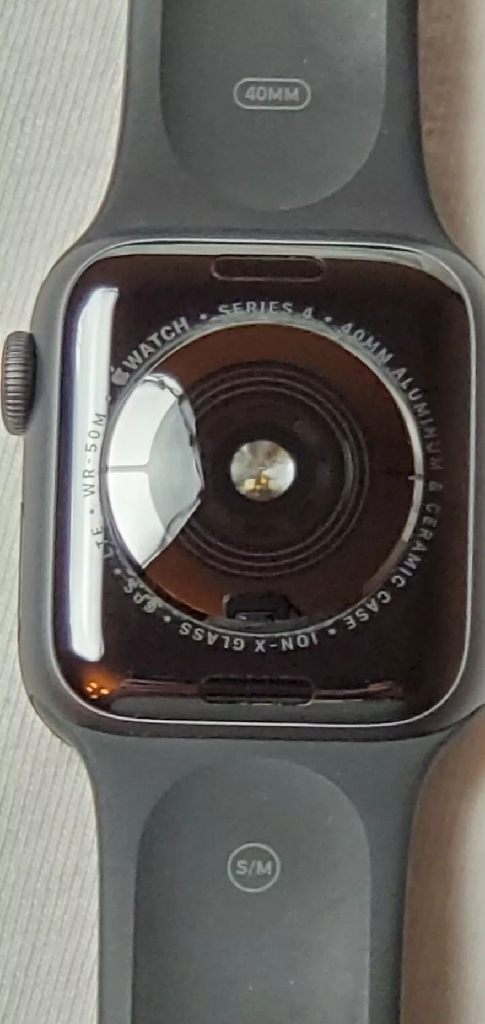 Apple Watch Series 4 40 mm Space Gray Aluminum Case with Black Sport Band
