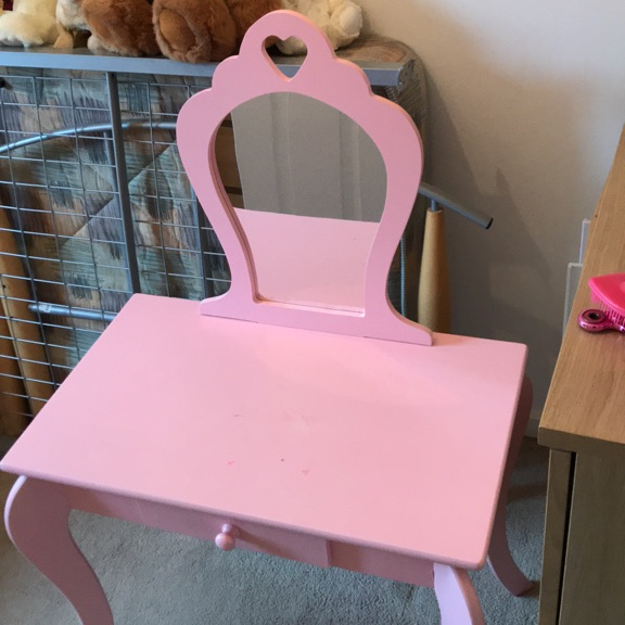 Pink vanity Table with mirror