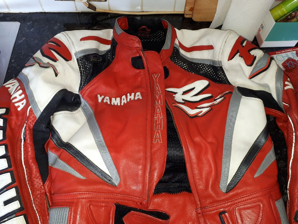 Yamaha motor bike leathers, red