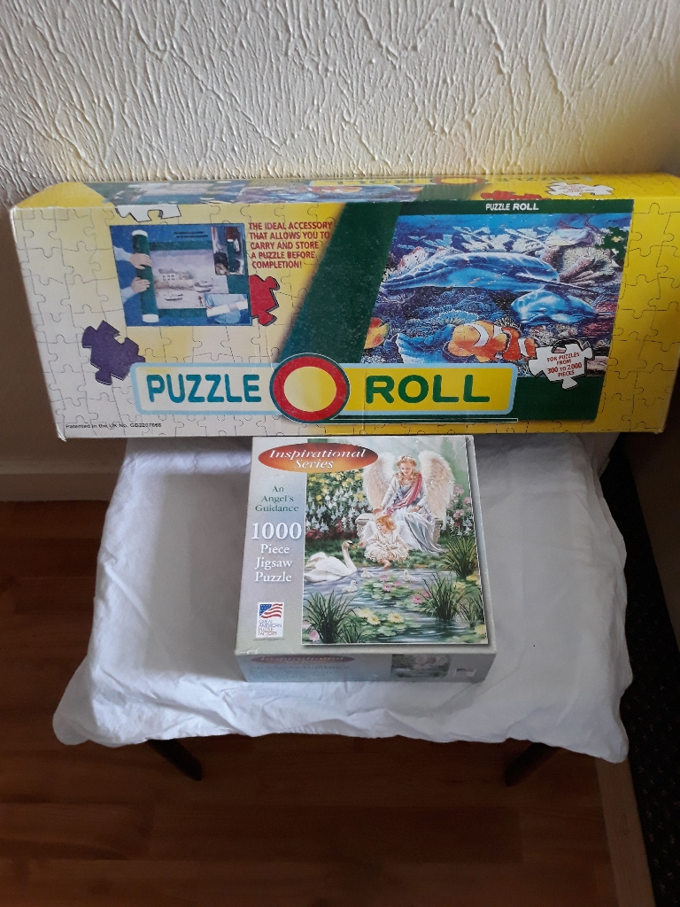 Puzzle roll and jigsaw
