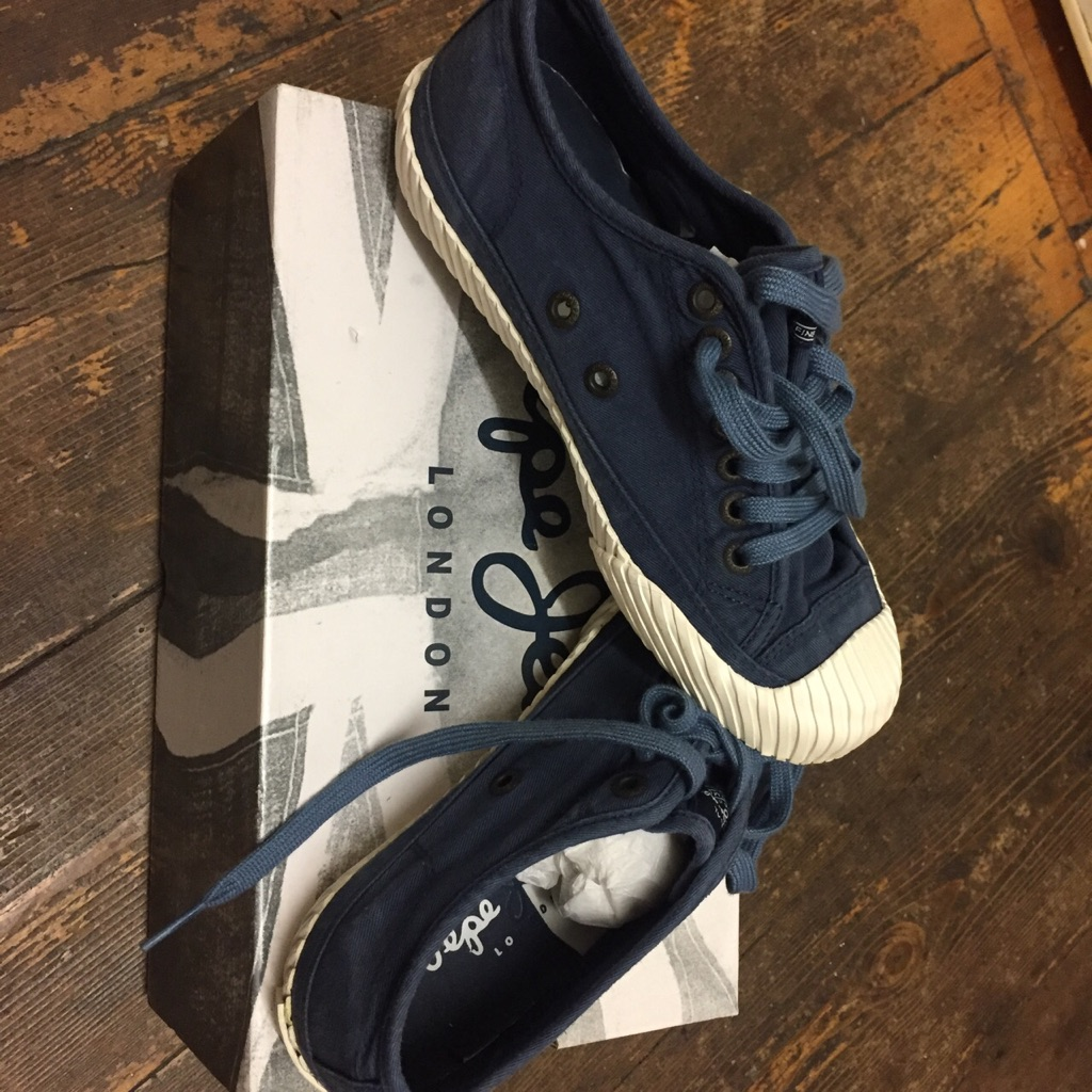 Pepe Jeans sneakers. Blue. Size 3.5/4