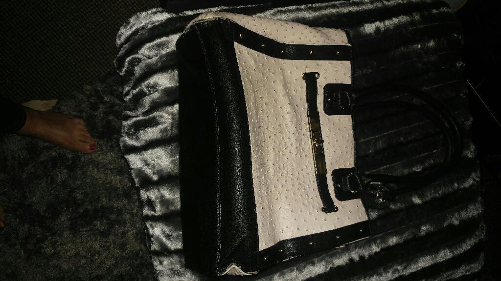 Black and white aldo handbag