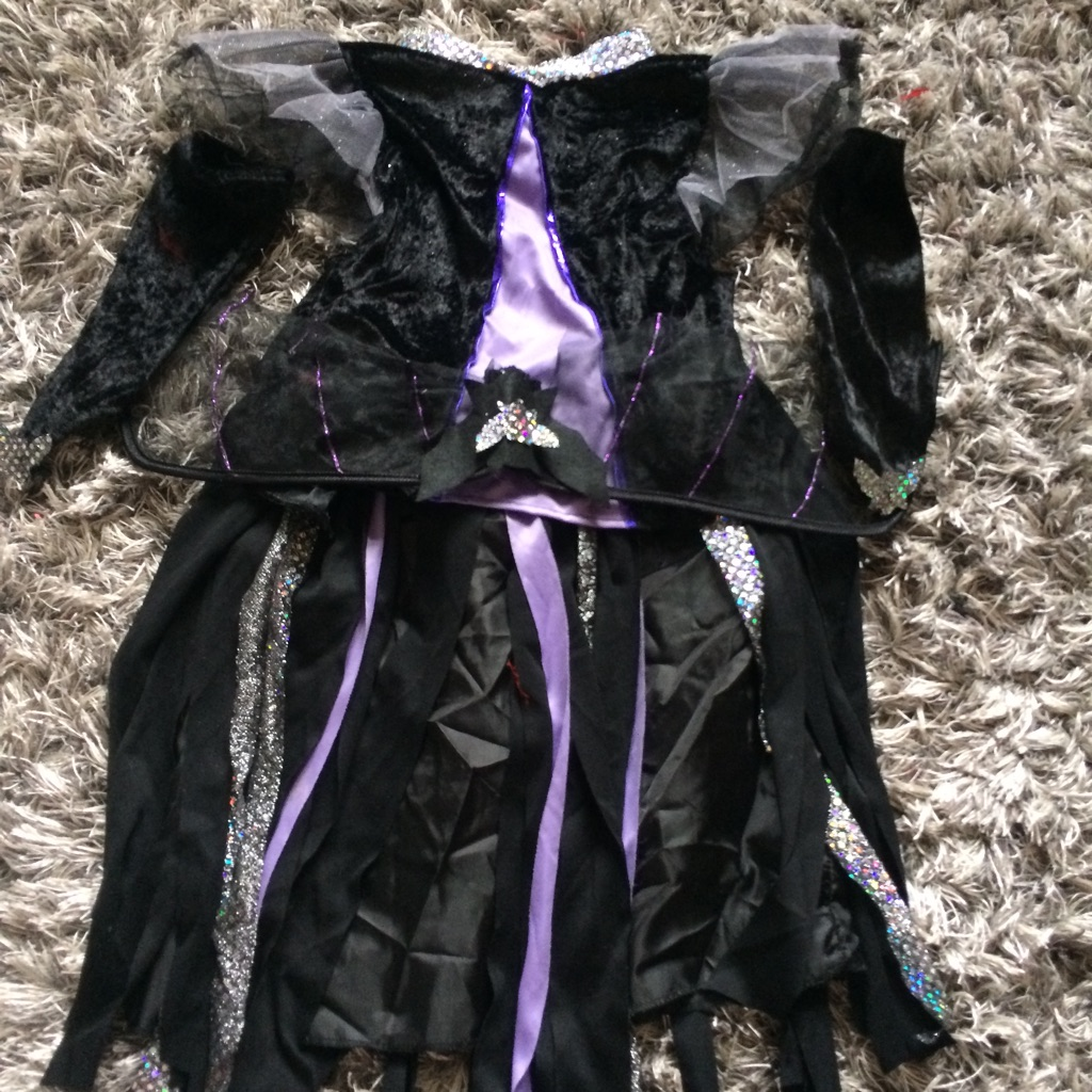 Childs halloween costume age 6-10