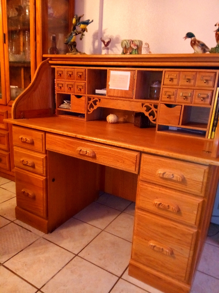 Half top roll top desk
