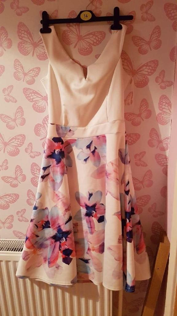 Quiz dresses