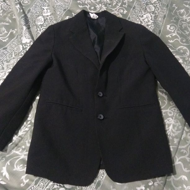 Boys suit jacket size 6/7