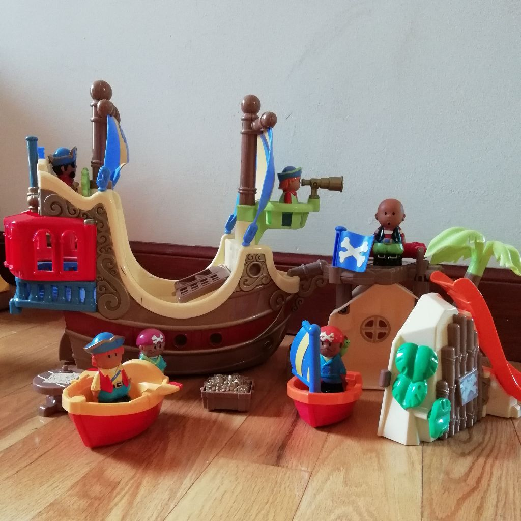 Happyland pirate ship and cove