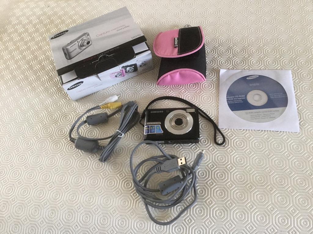 SAMSUNG 10.2 digital camera D1070