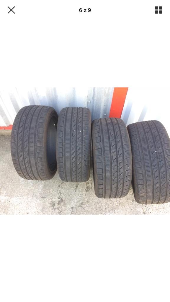 Winter wheel tyres 235/45 R17