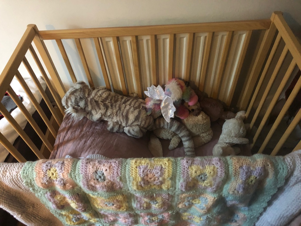 Compact Kinder Valley cot