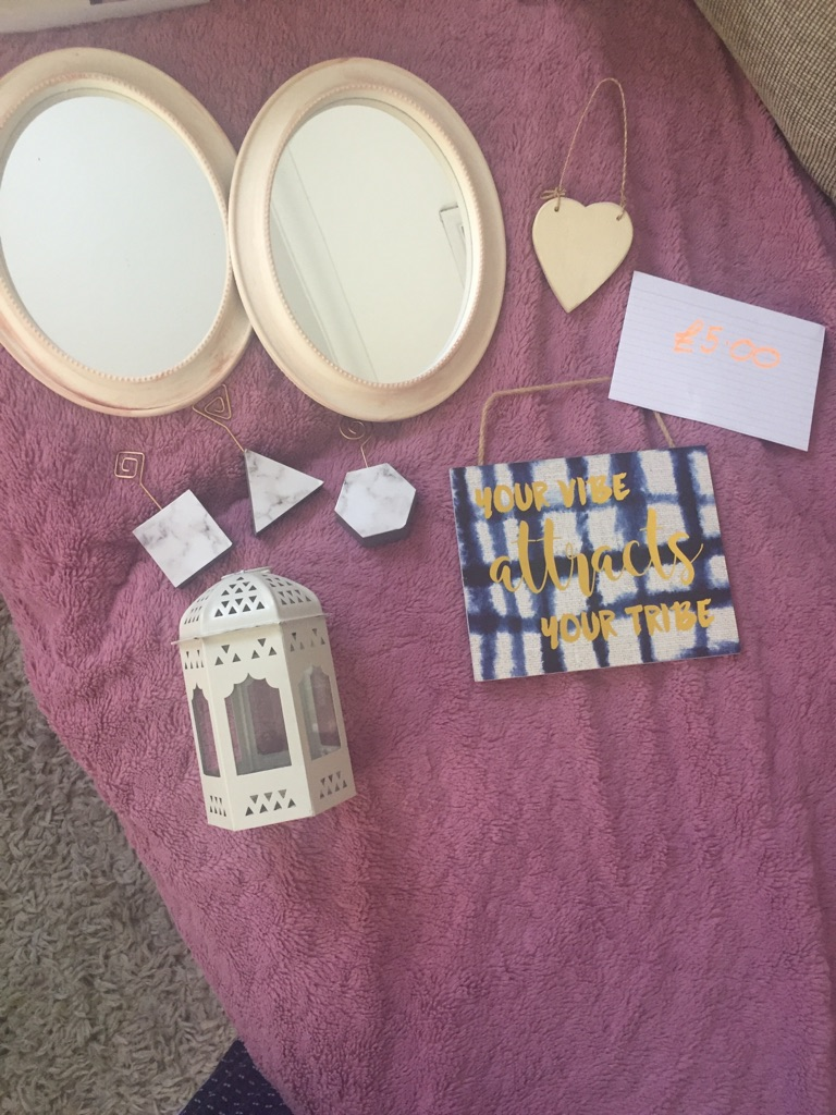 Bundle of home items