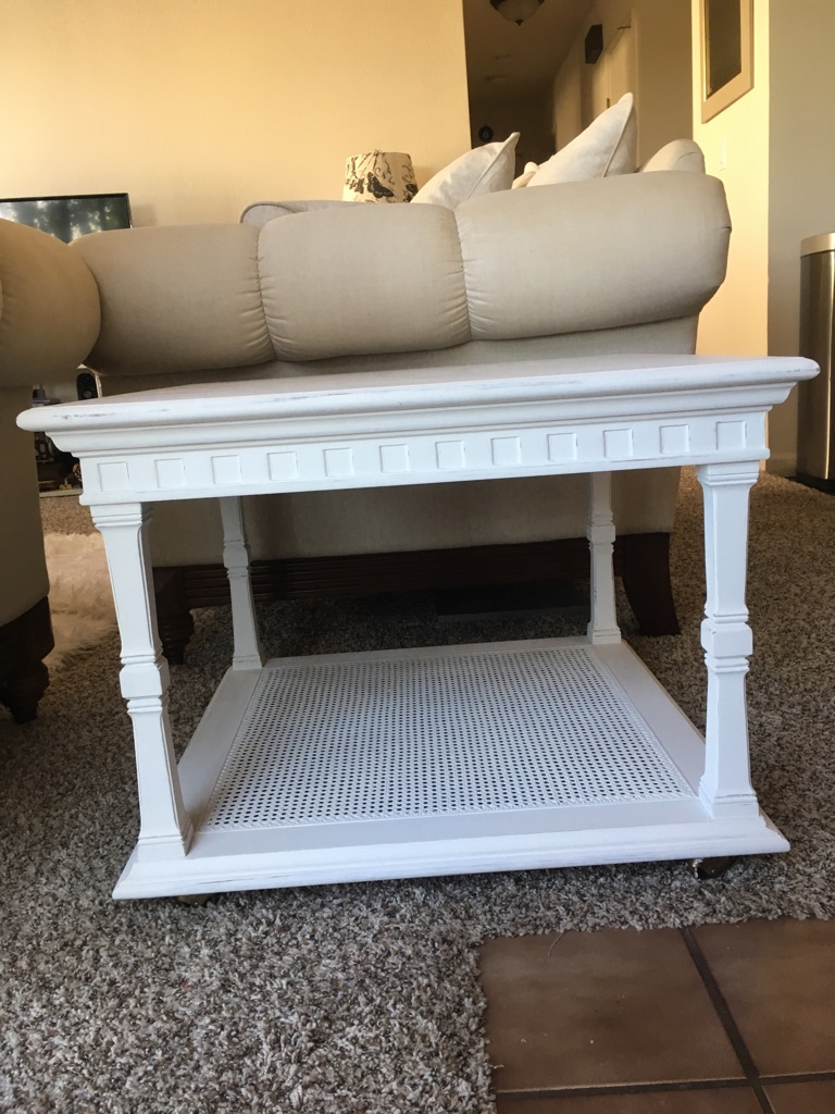 White coffee table-shabby Chic