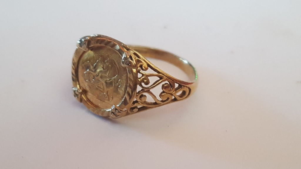 9ct gold sovereign ring mount