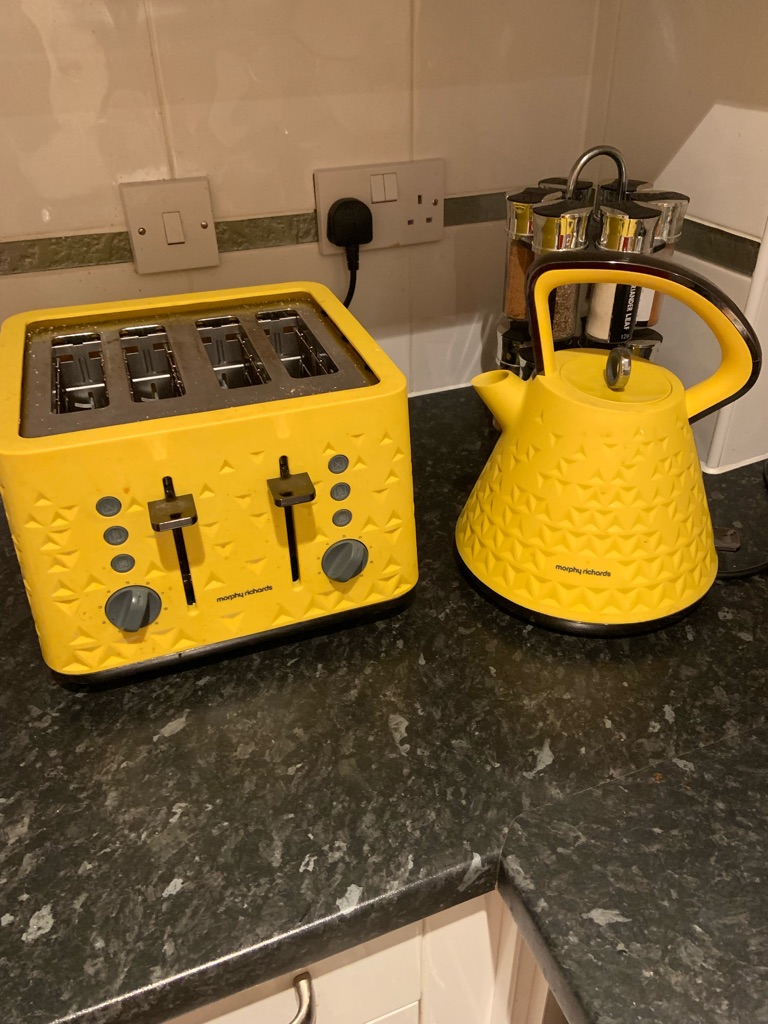 Yellow kettle and toaster
