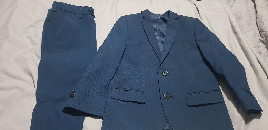 Boys suit age 3
