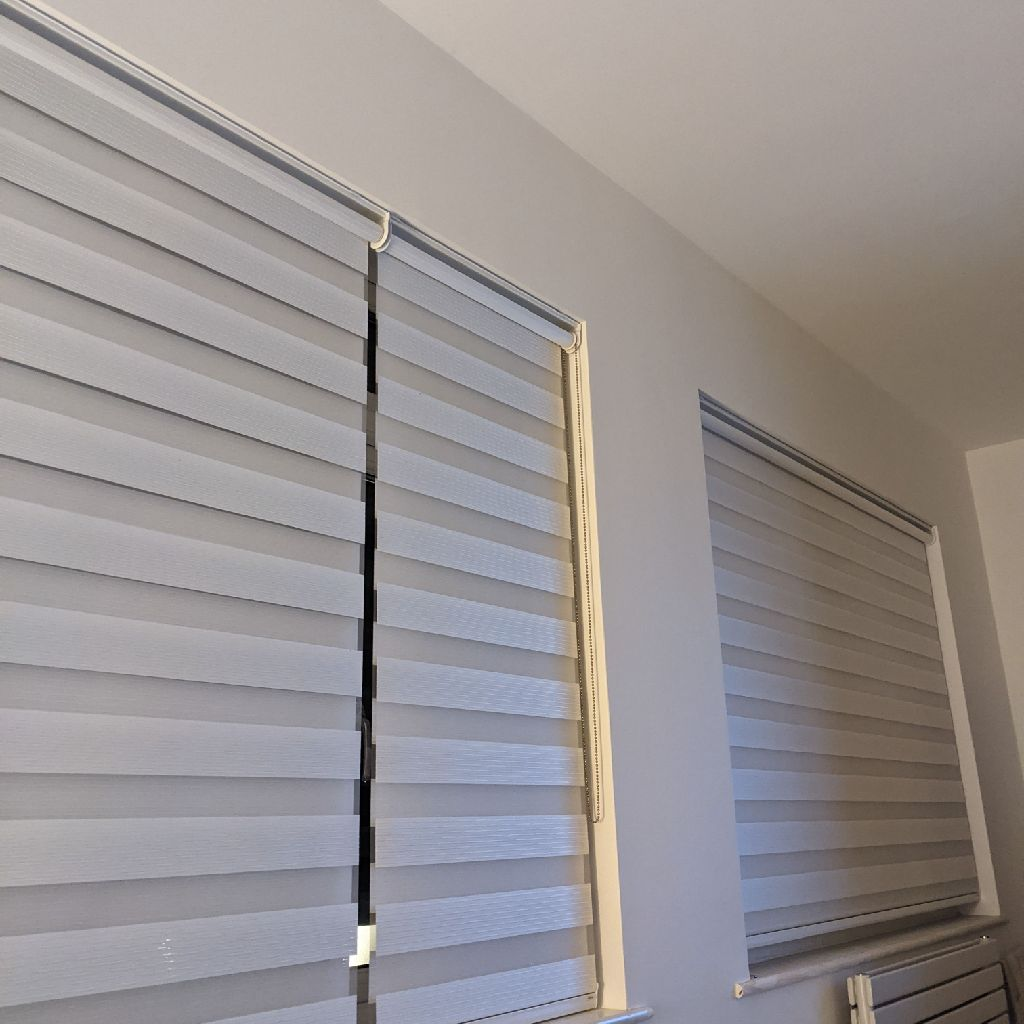 DAY/NIGHT ROLLER BLINDS FREE TO GOOD HOME!