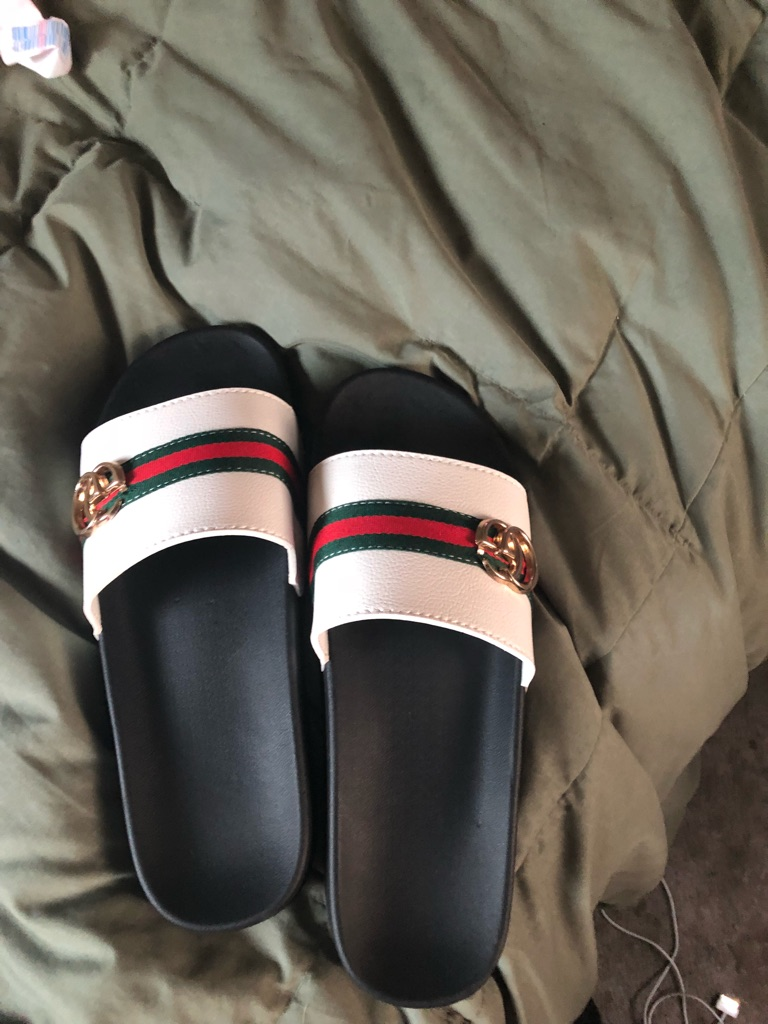 Gucci slips