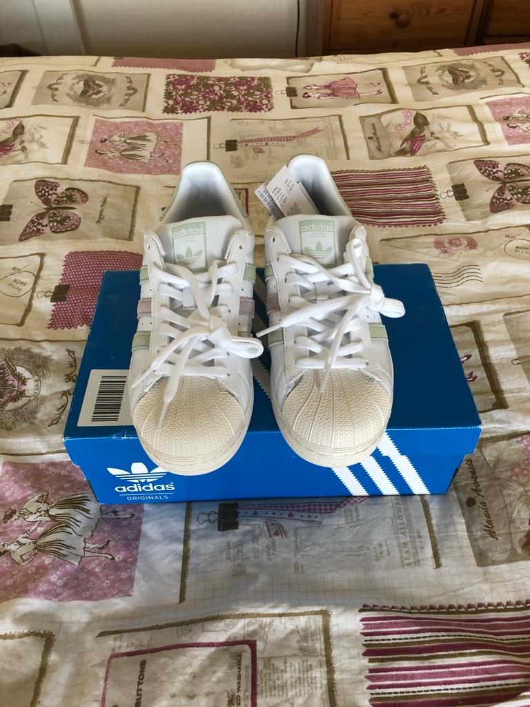 Adidas Superstars Size 7 Brand New