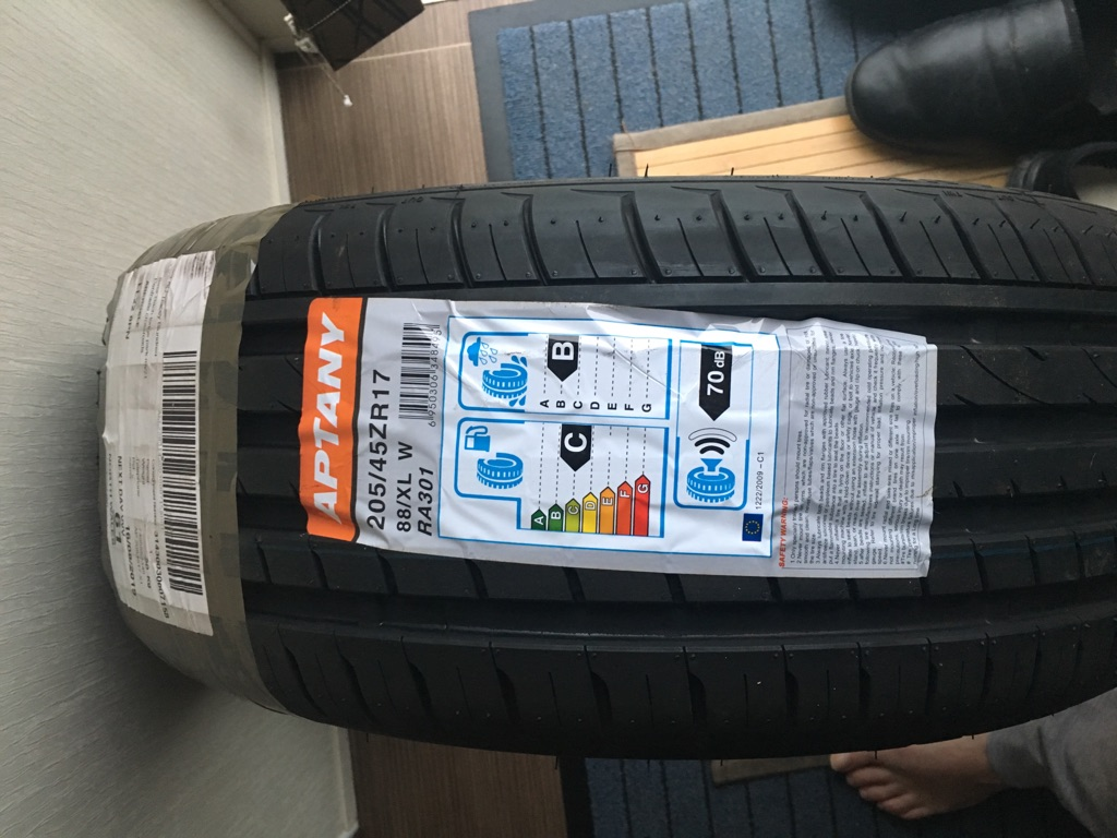 Tyre low profile