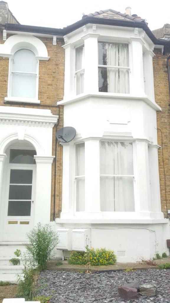 Short term 2 bedroom flat
