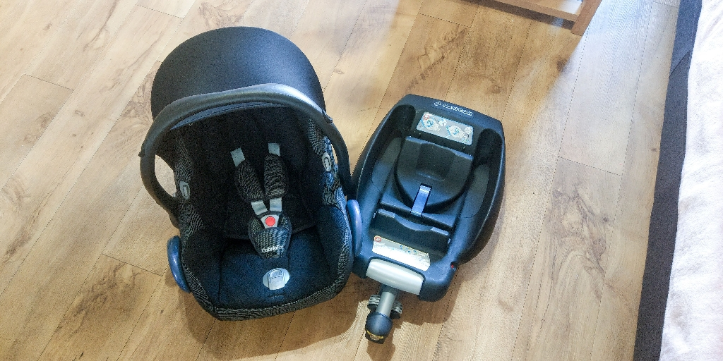 Maxi cosi car seat and ISO easy fix