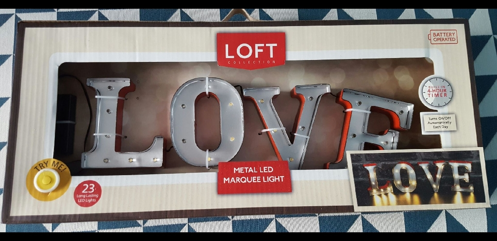 Love sign Battery Operated Metal LED