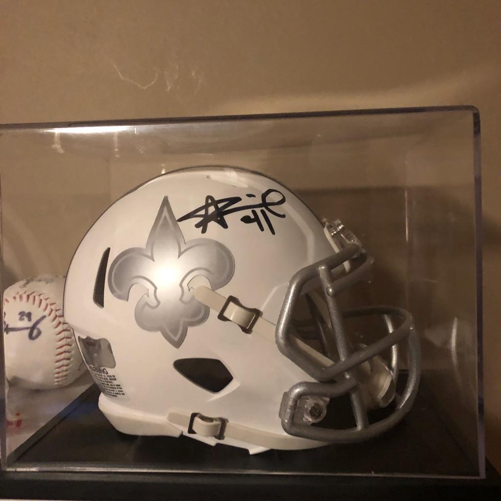 Signed Alvin Kamara helmet