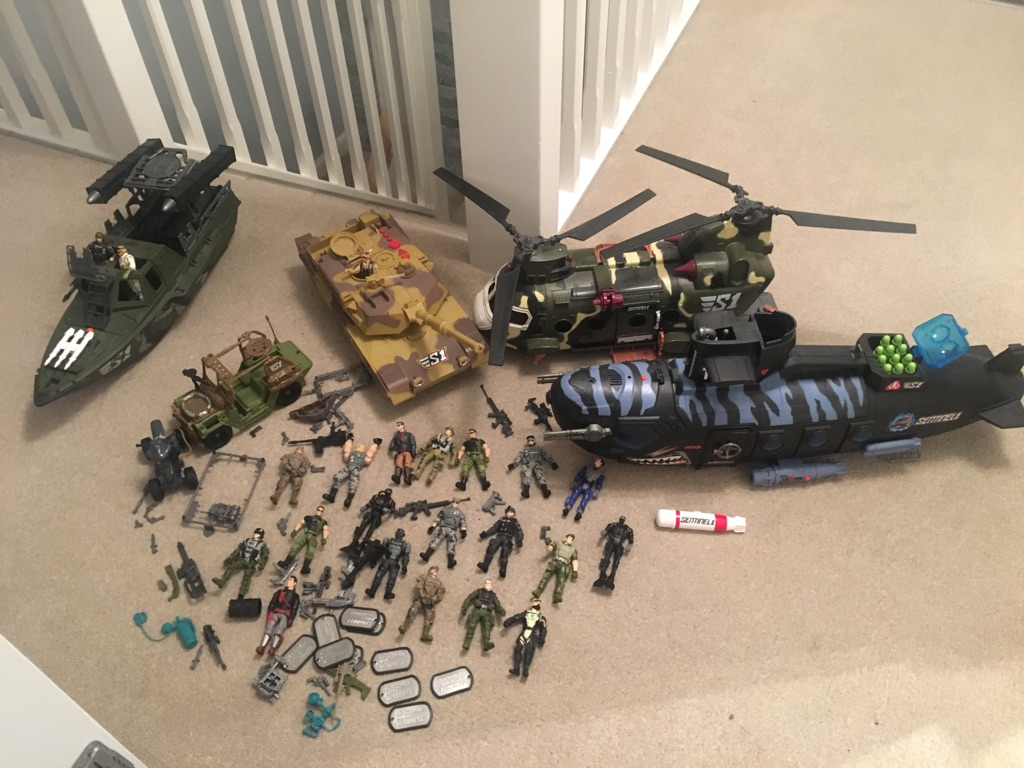 Commando Elite figures & vehicles