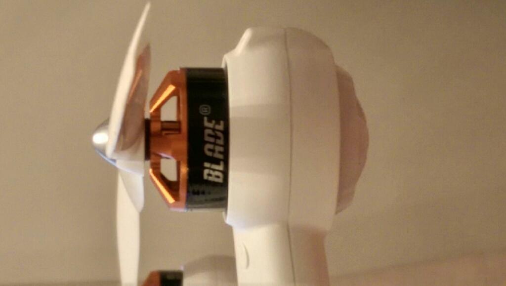 DRONE ST10+ CHROMA BLADE